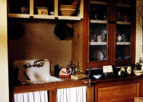 antique kitchens picture