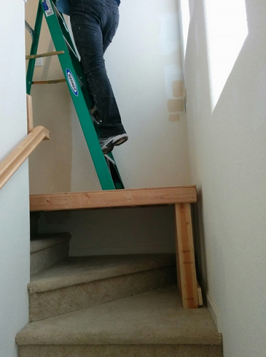 Ladder for uneven surfaces