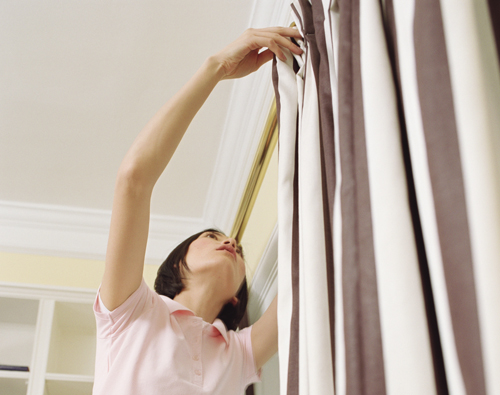 hanging curtain